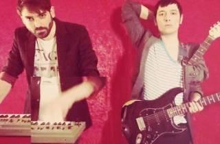 Ellos live! + Laura Put