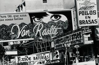 (Paolo Gasparini, 'El habitat de los hombres…', Caracas, Bello Monte, 1968 © Paolo Gasparini. Collection privée, courtesy Toluca Fine Art, Paris)