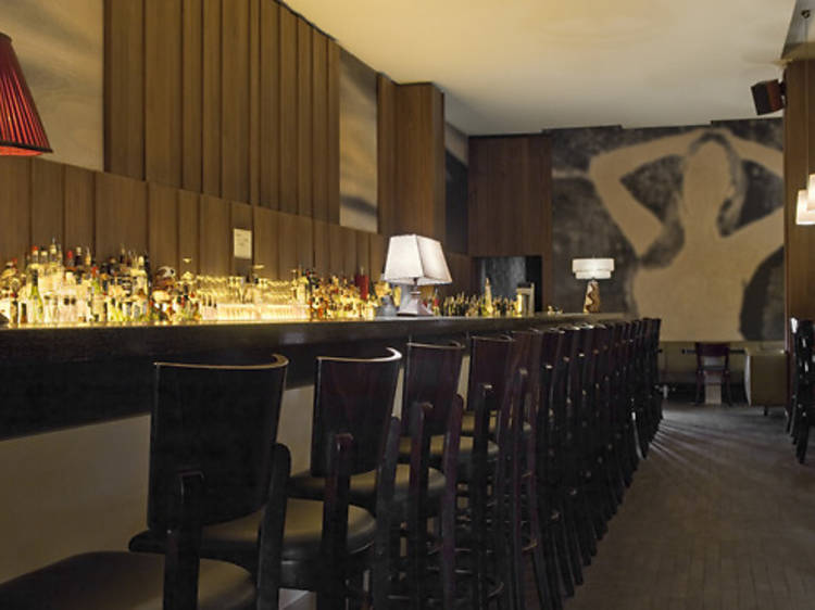 Bars and nightlife