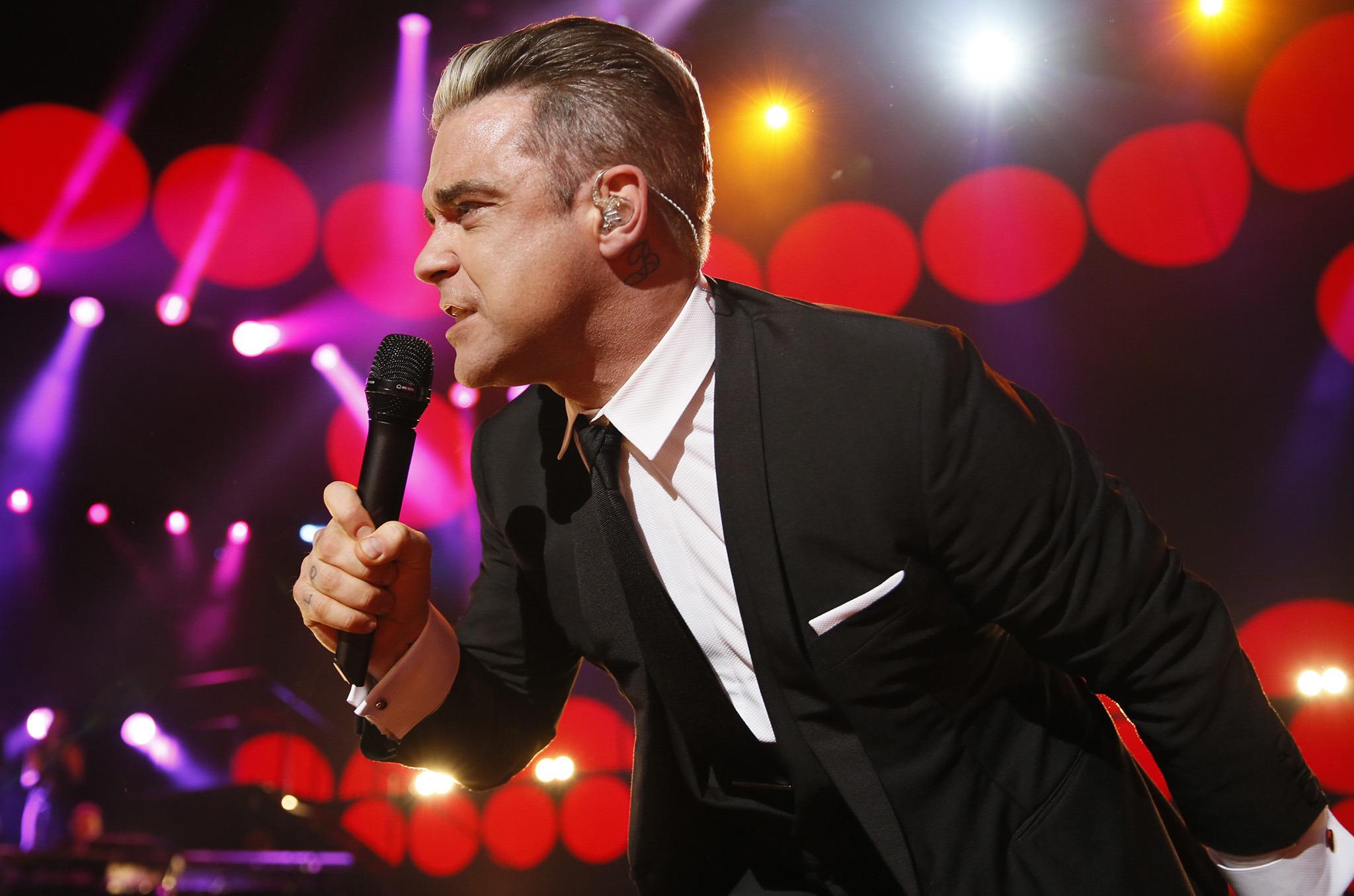 paremmin sulavalinjainen tyylikkäät kengät Robbie Williams: One Night at the Palladium review - Time ...