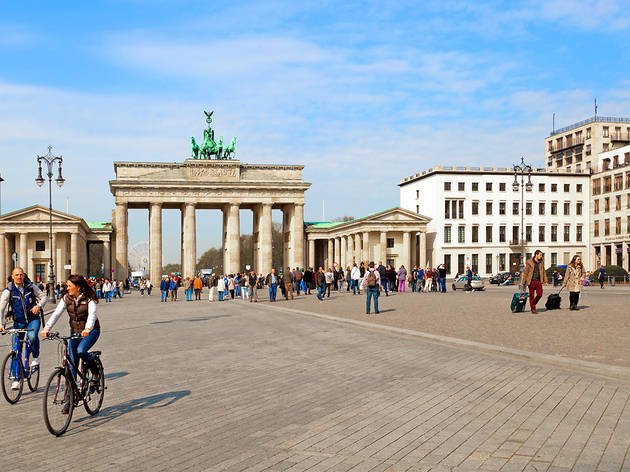 Brandenburg Gate, tourists, essential visitor information, Berlin