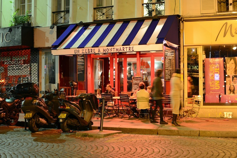 Un z bre montmartre restaurants in abbesses paris for Restaurant miroir montmartre