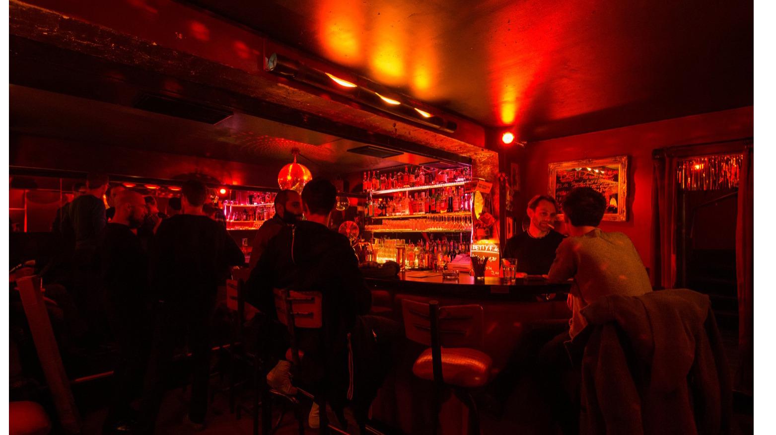 Betty F***, Bars, Berlin