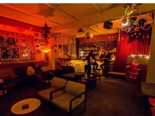Zum Schmutzigen Hobby, Bars, Berlin