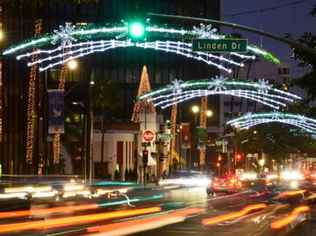 Christmas lights in Los Angeles: Wilshire Boulevard in Beverly Hills.