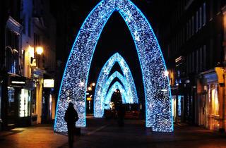 South Moulton Street lights