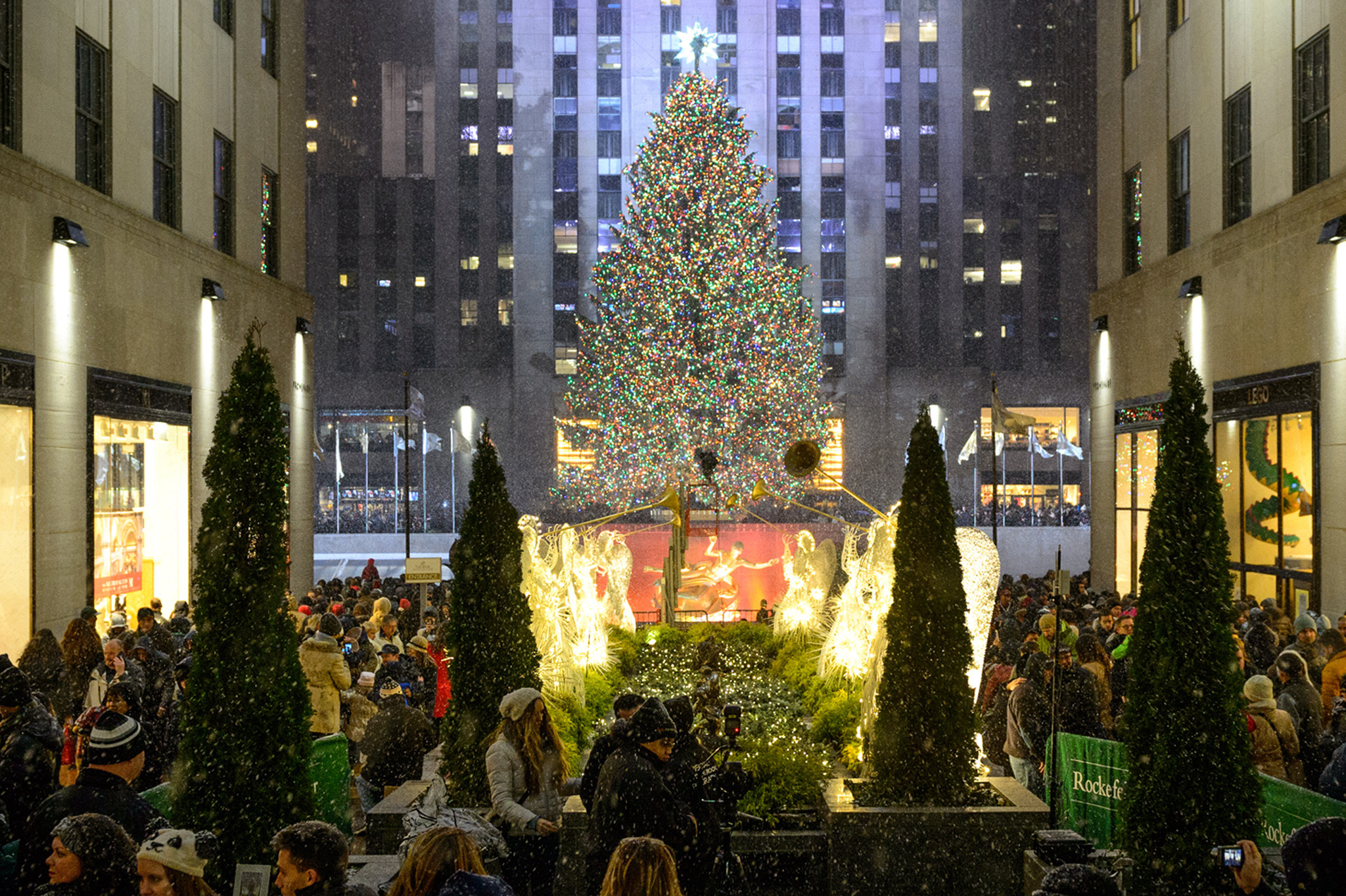 christmas in new york guide including festive events and shows