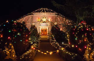 Christmas lights in Los Angeles: Balian House.