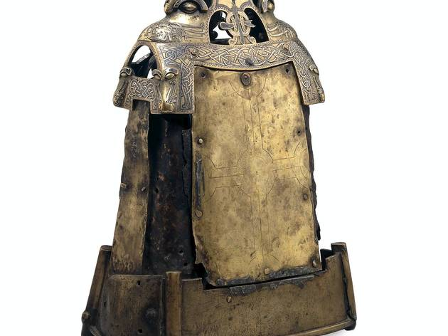 The Iron bell of St. Cuileáin  (© The Trustees of the British Museum)