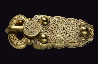 The Sutton Hoo belt-buckle (© The Trustees of the British Museum)