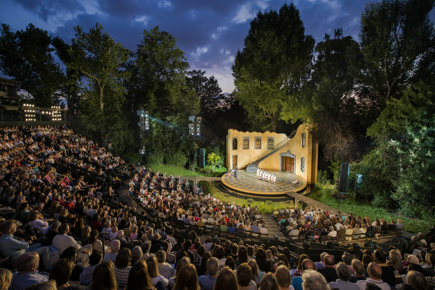 Open-air theatre season in London