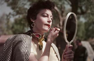 (Photograph: Robert Capa/ International Center of Photography/ Magnum Photos)