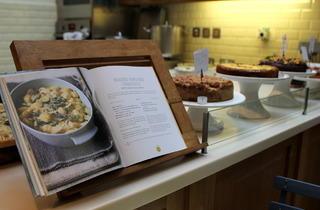 Books for Cooks (© Jael Marschner)