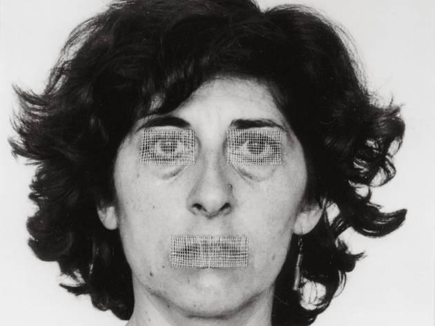 (Esther Ferrer, 'Autoportrait', 1986 / Série 'Le livre des têtes - Autoportraits travaillés' / © Esther Ferrer)