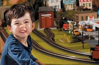 002.kids_.bp_.toytrainboy_0.jpg
