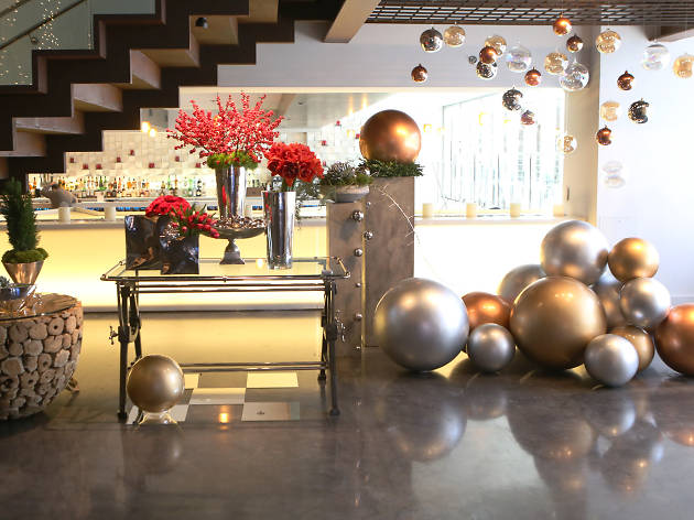 49 filini in the radisson blu decorates for the holidays