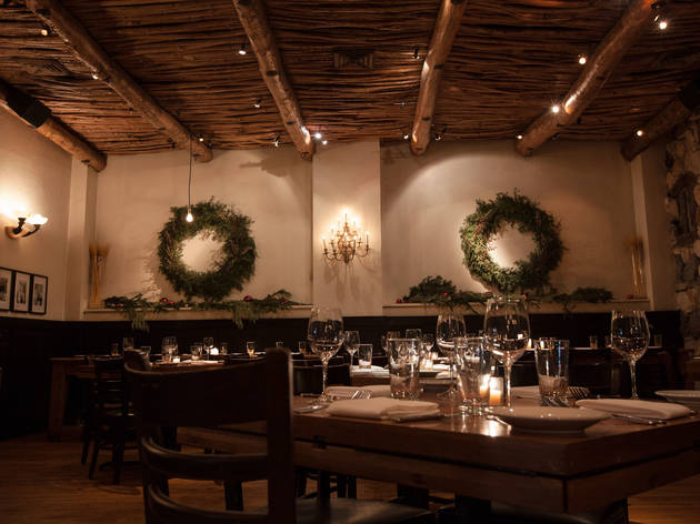 8 Chicago restaurants decorated for the holiday season