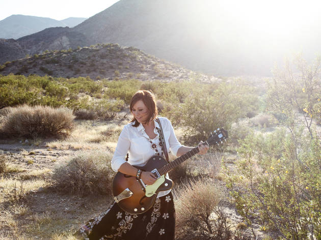 Suzy Bogguss + Miss Tess and the Talkbacks
