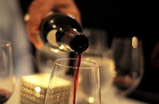 Dinner at Aqutaine Restaurant (Photo: Marina Makropoulos)