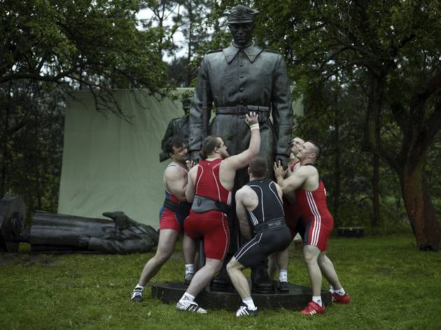 Christian Jankowski ('Heavy Weight History', 2013)