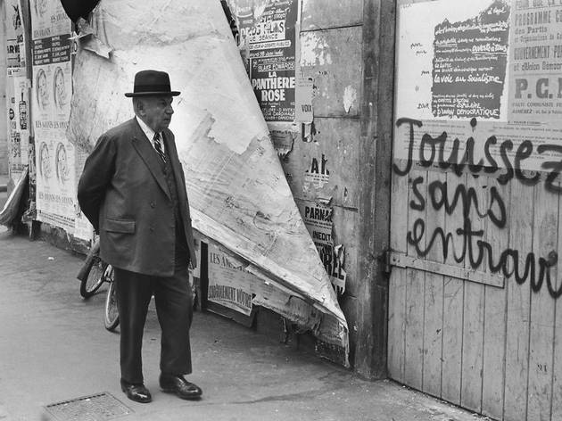 (Rue de Vaugirard, Paris, mai 1968 / © Henri Cartier-Bresson / Magnum / Courtesy de la Fondation Henri Cartier-Bresson)