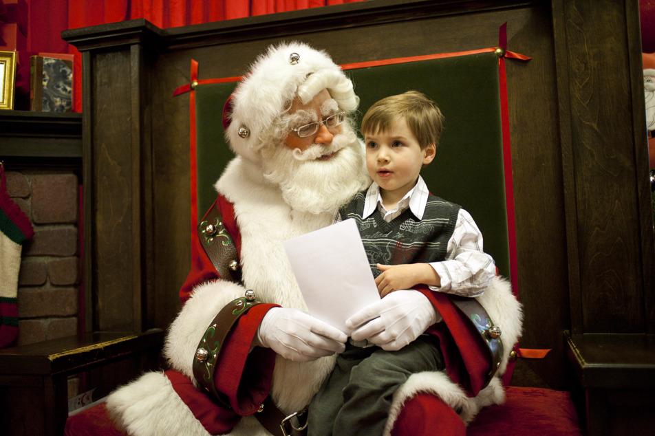 Santa sightings for kids in Chicago