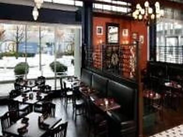 D4 Irish Pub and Cafe