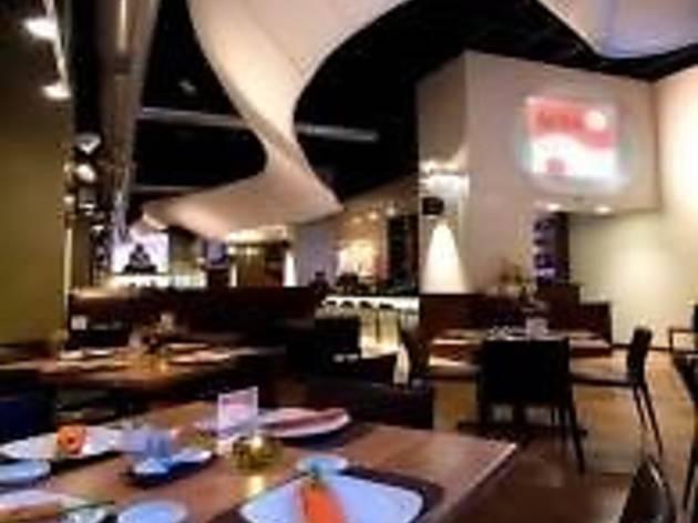 Hot Woks Cool Sushi - Willis Tower