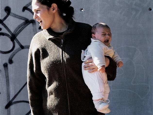 (Monica, Barcelone, 2004 (série 'Les Hurleurs', 2001-2004) / © Mathieu Pernot)