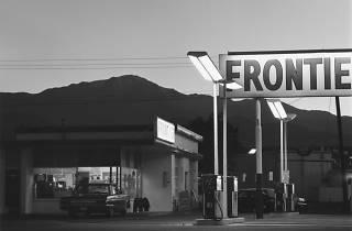 (Robert Adams, Pikes Peak, Colorado Springs, Colorado, 1969 / © Robert Adams / Courtesy Fraenkel Gallery, San Francisco et Matthew Marks Gallery, New York)
