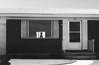 (Robert Adams, Colorado Springs, Colorado, 1968 / © Robert Adams / Courtesy Fraenkel Gallery, San Francisco et Matthew Marks Gallery, New York)