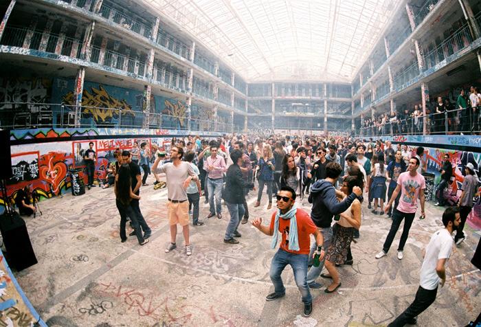 Les collectifs techno et les fêtes éphémères