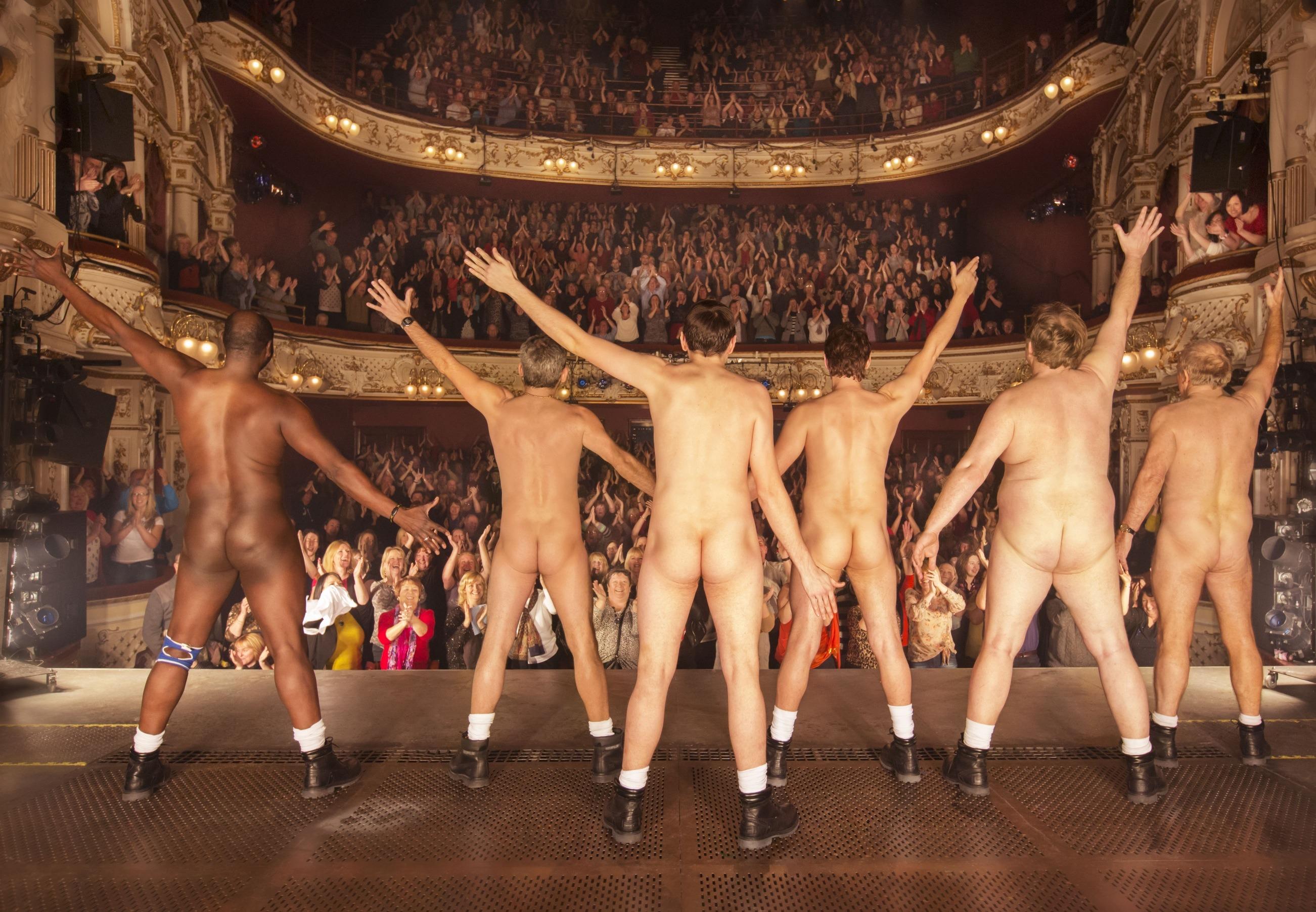 Chicago Gay Bars: Go-go boys/strippers