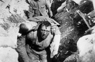 Geoffrey Malins, John McDowell ('Scene from Battle of the Somme', 1916. Film courtesy Bundesarchiv (Federal Archives); film still courtesy Imperial War Museums © IWM)