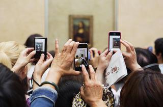 (Martin Parr, 'Paris. Le Louvre', 2012 / © Martin Parr / Magnum Photos / Galerie Kamel Mennour)