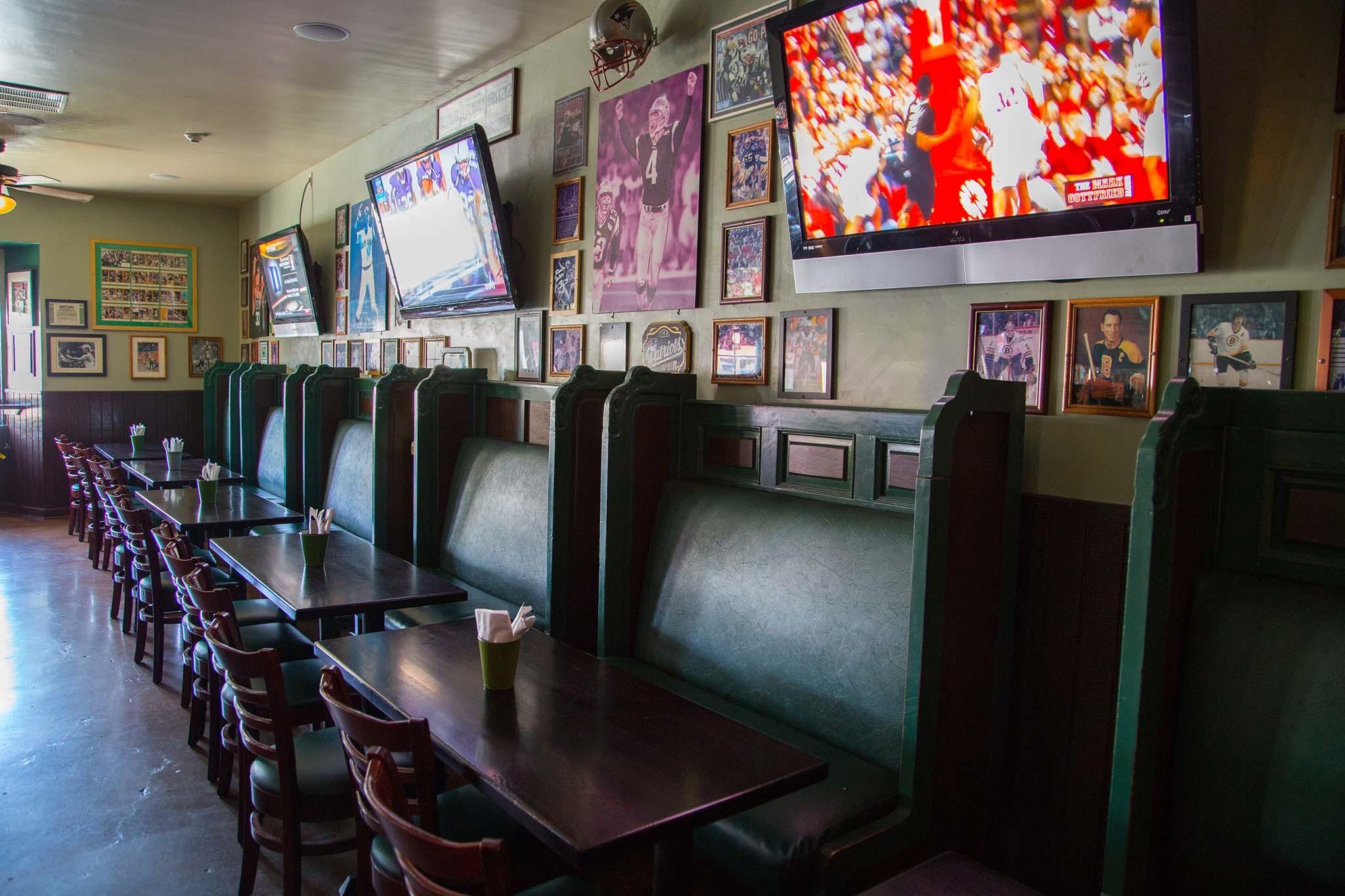 Sonny McLeans Irish Pub, Irish Pubs