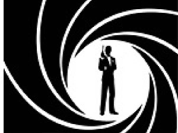 James Bond bus tour