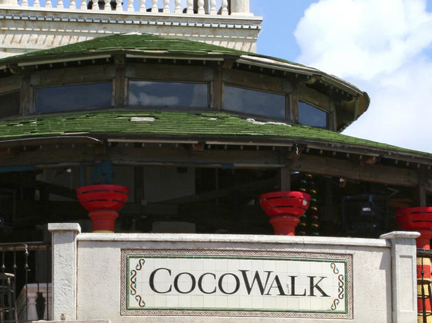 CocoWalk, Shops and services, Miami