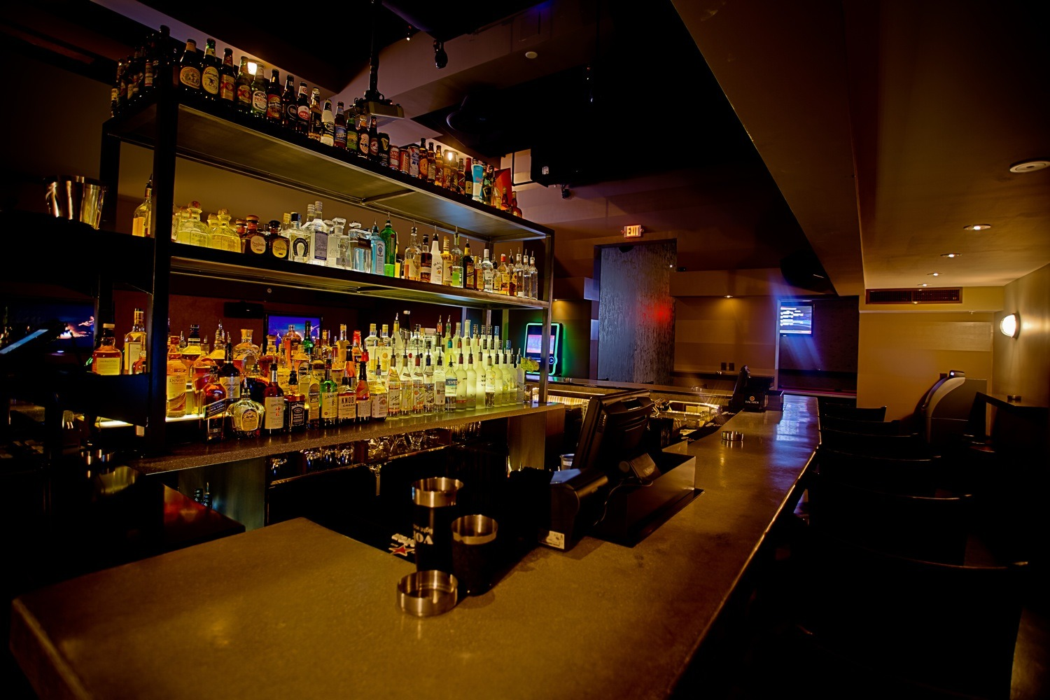 Foxhole Bar, Bars and lounges, Miami
