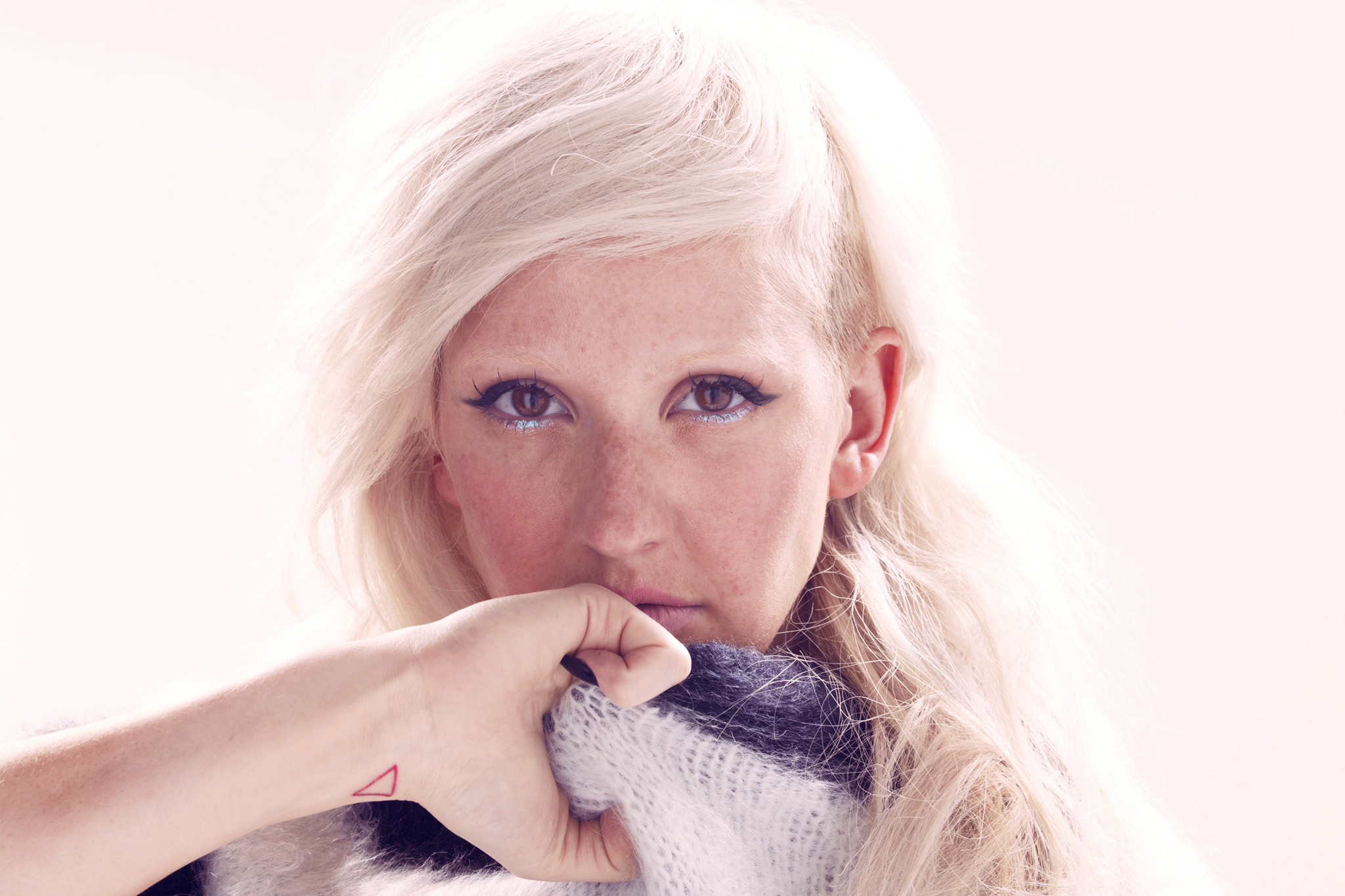 18f88d33738 Steal her style  Singer and fashion icon Ellie Goulding