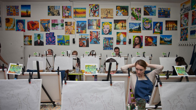 Paint and Sip Workshop at the Painting Lounge