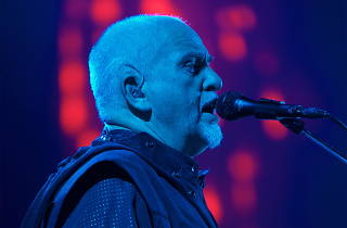 Peter Gabriel: Back to front