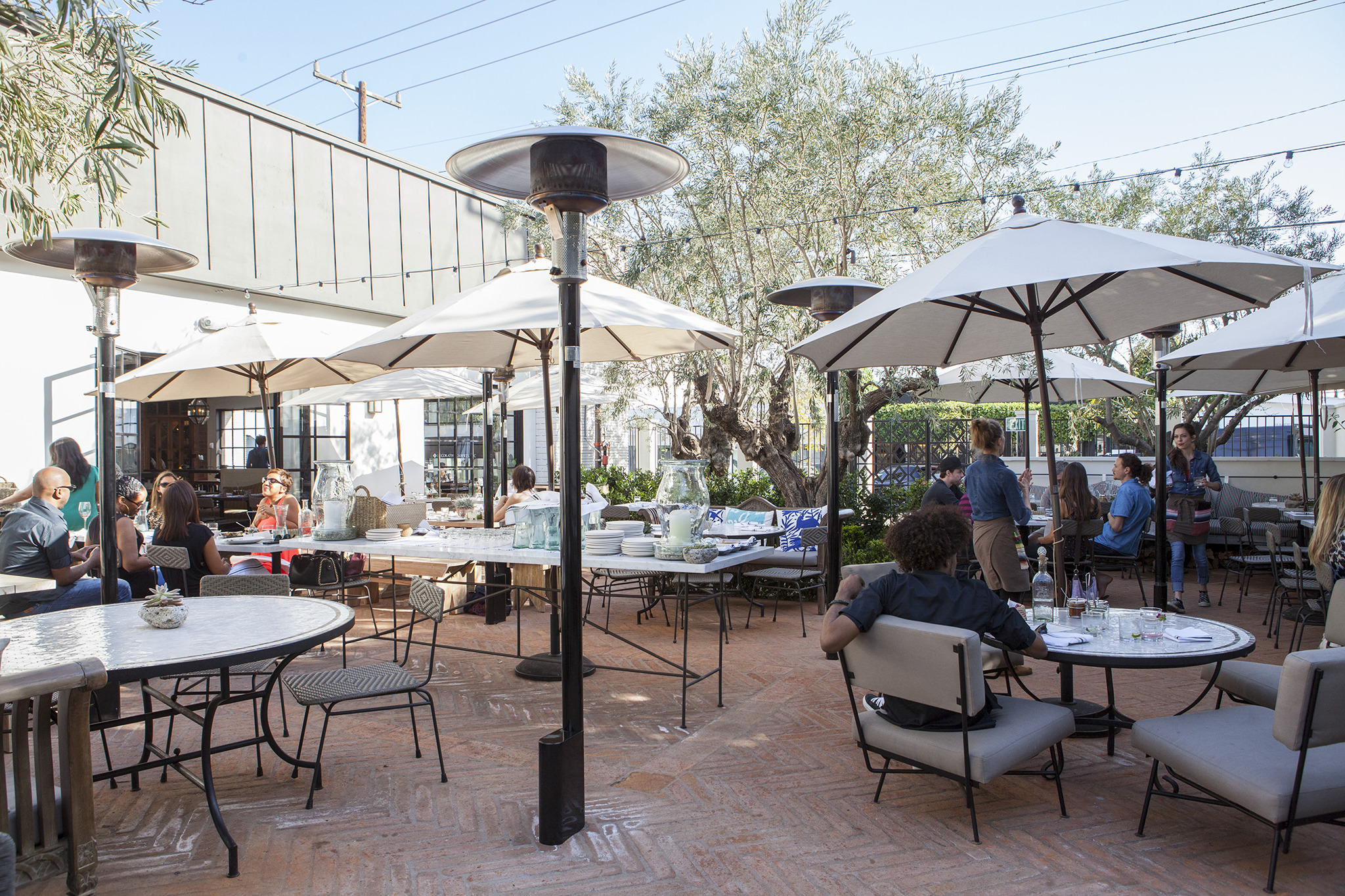 Best outdoor dining restaurants in los angeles for Best outdoor dining