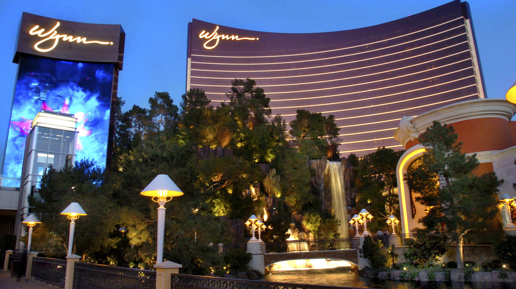 Las Vegas Strip Guide Hotels On The Strip Restaurants