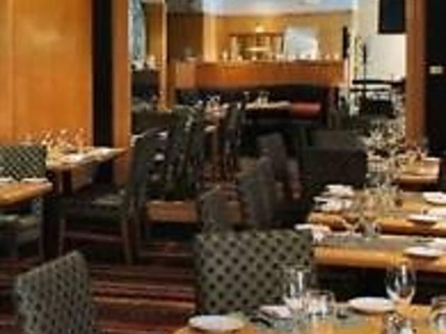 M Street Bar & Grill
