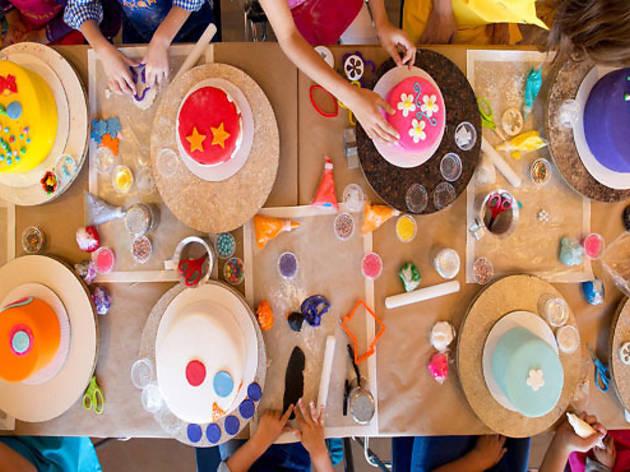Cupcake Decorating at Duff's Cakemix