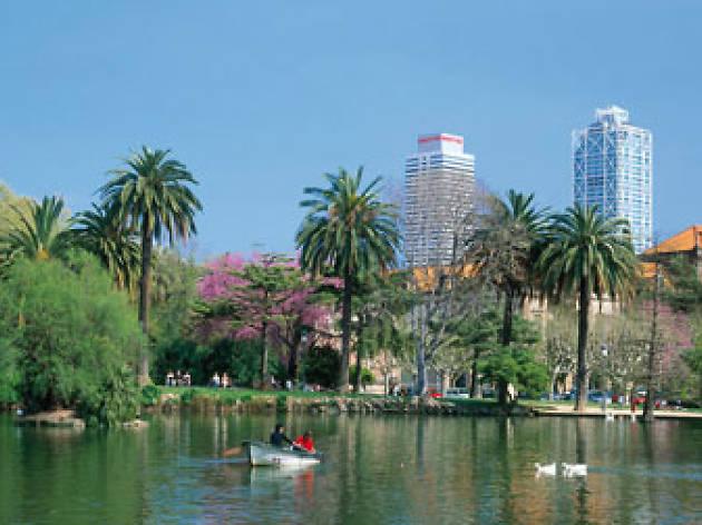 Parc De La Ciutadella Attractions In Sant Pere Santa