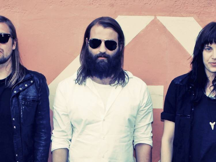 Band Of Skulls: 'About a Girl'