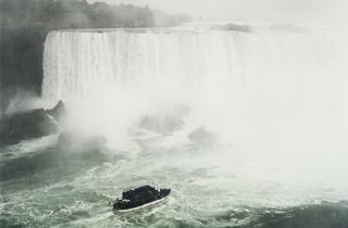 Andreas Gursky ('Niagara', 1989)