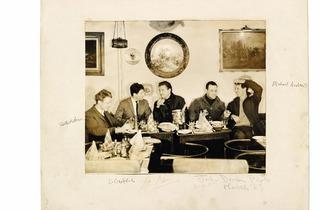 John Deakin (Timothy Behrens, Lucian Freud, Francis Bacon, Frank Auerbach and Michael Andrews at Wheeler's, Old Compton Street, 1963 )